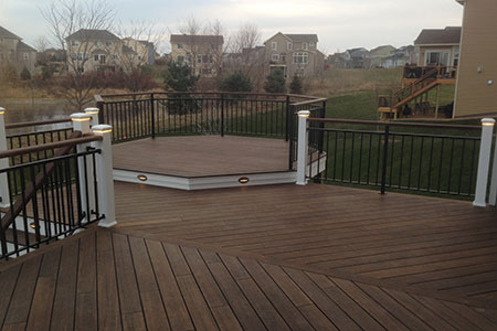 Spacious deck constructed with dasso.XTR fused bamboo decking