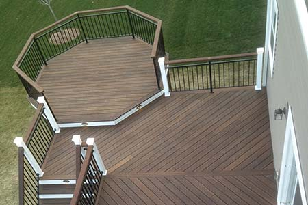 Aerial view of deck constructed with dasso.XTR fused bamboo decking
